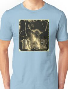 I love 1932 - Vintage lightning and fire T-Shirt Unisex T-Shirt