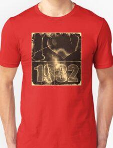 I love 1932 - Vintage lightning and fire T-Shirt Unisex T-Shirt