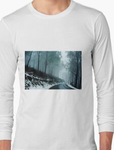0233  Into a cold dark place   [e] Long Sleeve T-Shirt