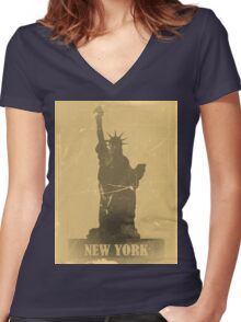 Statue of Liberty  Vintage T-Shirt Women's Fitted V-Neck T-Shirt