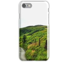 Sur les routes d'Irlande iPhone Case/Skin