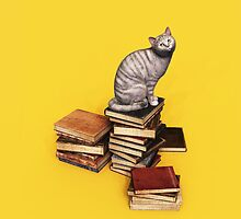 British Cat on a stack of books iPhone/iPod/Samsung by Roberta Angiolani