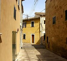 Yellow houses of Alcúdia by Bug's World
