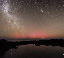Red Aurora at Flinders by Alex Cherney