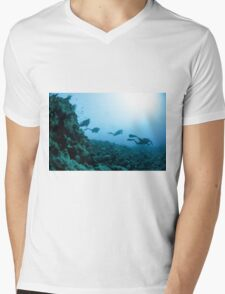 Scuba divers in the water  Mens V-Neck T-Shirt