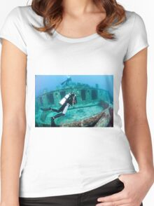 Divers at a shipwreck at Ras Mohammed National Park Women's Fitted Scoop T-Shirt