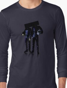 You cant see their faces Long Sleeve T-Shirt