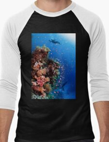 Scuba Divers pass by a coral reef photographed at Ras Mohammed  Men's Baseball ¾ T-Shirt