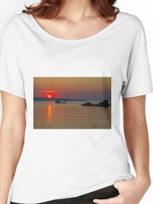When the sun goes down Women's Relaxed Fit T-Shirt