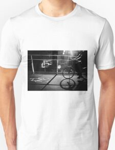 Passing-by cyclist Unisex T-Shirt