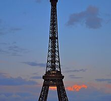 La Tour Eiffel  by Imagery
