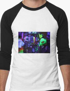 alien abduction glowing photo Men's Baseball ¾ T-Shirt