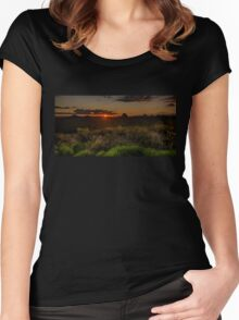 Glass House Mts Sunset Women's Fitted Scoop T-Shirt
