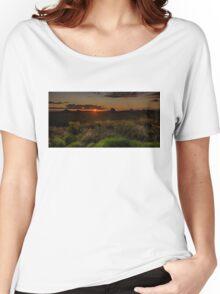 Glass House Mts Sunset Women's Relaxed Fit T-Shirt