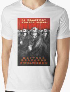 World War II Propaganda Poster – Soviet  Mens V-Neck T-Shirt