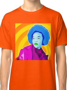 Vee's Pop Art: Lisa Classic T-Shirt