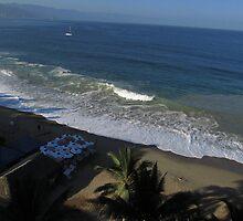Olas Altas Beach in the early Morning - Playa Olas Altes en la Mañana by PtoVallartaMex