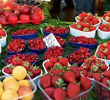 Strawberries at Campo de Fiori by apye