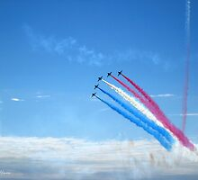 Red Arrows climb by SolariaHues