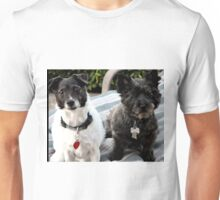 CHILIPEPPAH AND SWEETPEE ON THE LOUNGE Unisex T-Shirt