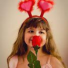 Love bug  by eelsblueEllen