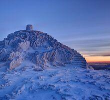 Snowdon Summit by Simon Evans