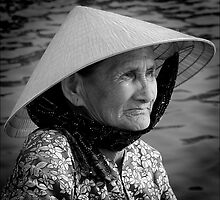 Oarswoman at Hoi-An. by Karl Willson