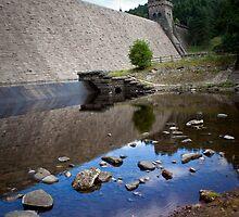 Derwent Dam by Martin Jones