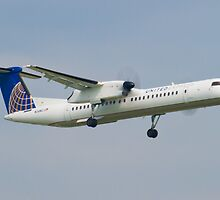 United Express N34NG DHC-8-402Q by Henry Plumley