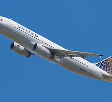 United N457UA Airbus A320-232 by Henry Plumley