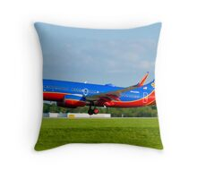 N443WN Southwest Airlines Boeing 737-7H4 Throw Pillow