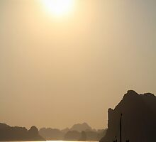 Halong Bay Sunset by zoghogg