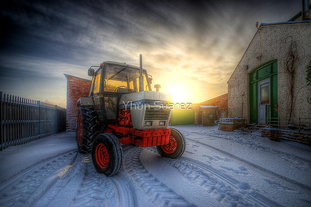 Tractor Sunrise  by Yhun Suarez