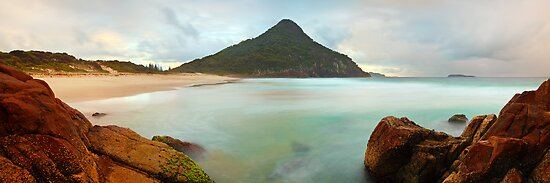 Zenith Beach, Shoal Bay, New South Wales, Australia by Michael Boniwell