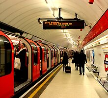 Liverpool Street - Central Line by rsangsterkelly