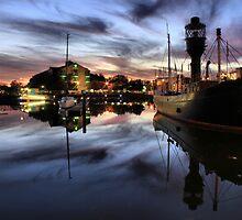 Hull Marina at Dusk by martinhenry