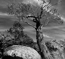 hangingrock01 by Antonius
