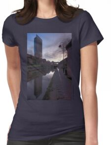 Lamp & Beyond Womens Fitted T-Shirt