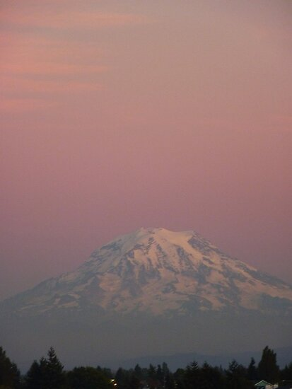 Sunset over Rainier by MischaC
