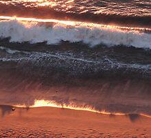 The Sky colours the Waves - El cielo está colorando las Olas by PtoVallartaMex