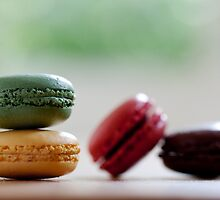 Mini Macaroons by Catherine Breslin