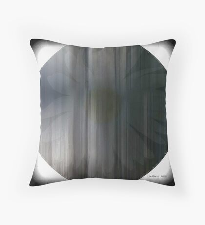 Daisy Fade... Throw Pillow
