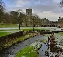 Fountains Abbey - Ripon - North Yorkshire by Kat Simmons