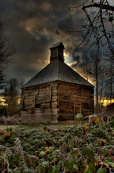 Lonley Old Hop Shed by Dale Lockwood