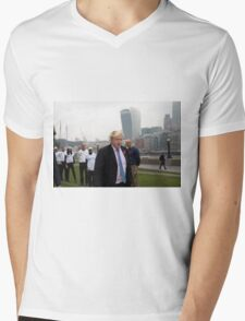 Boris Johnson takes part in a tug of war outside City Hall Mens V-Neck T-Shirt