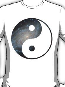 ying yang star image T-Shirt