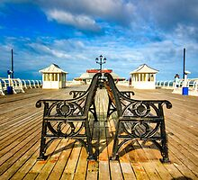 Cromer Pier by hebrideslight