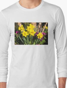 Sunny Daffodil Bouquet – Impressions Of Spring Long Sleeve T-Shirt