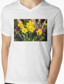 Sunny Daffodil Bouquet – Impressions Of Spring Mens V-Neck T-Shirt