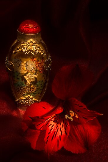 Oriental Snuff Bottle and Alstroemeria by Ann Garrett